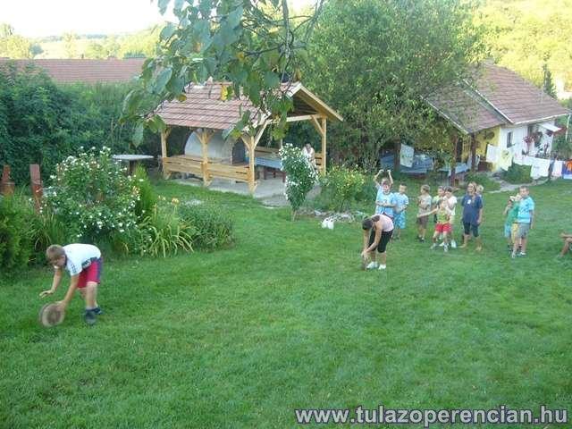 Ügyességi verseny az erdei iskolában